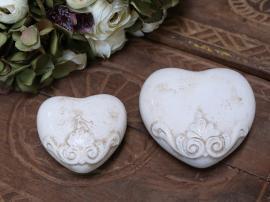 Marcy Heart H4 / L8.5 / B8.5 cm antik creme 1st , hemmetshjarta.se