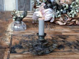 Ljusstake med blad H6,5 / Ø8,5 cm antik mässing , hemmetshjarta.se