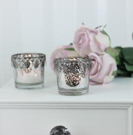 Värmeljushållare med silverdekoration H5 / Ø5,2 cm antik silver , hemmetshjarta.se