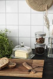 Skärbräda med spår Akaciaträ med lädersnöre , hemmetshjarta.se