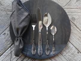 Bestick 16 delar med mönster - silver , hemmetshjarta.se