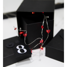 Ljusslinga Dew Drop Batteridriven Röd 12 ljus 110 cm , hemmetshjarta.se