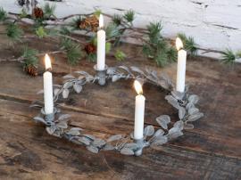 Vecka 44 Adventsljusstake med blad för änglaljus H3,5 / Ø26 cm antikt zink , hemmetshjarta.se