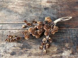 Konstgjord Gren med kottar för att hänga H32 cm naturligt , hemmetshjarta.se