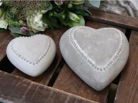Hjärta med pärlkant H4 / L10 / B9,7 cm Franskgrå , hemmetshjarta.se