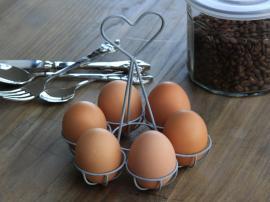 Vecka 44 Ägghållare för 6 ägg Järn H15 cm , hemmetshjarta.se
