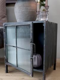 Skåp med räfflade glasdörrar H46,5 / L40 / B32,5 cm antik svart , hemmetshjarta.se